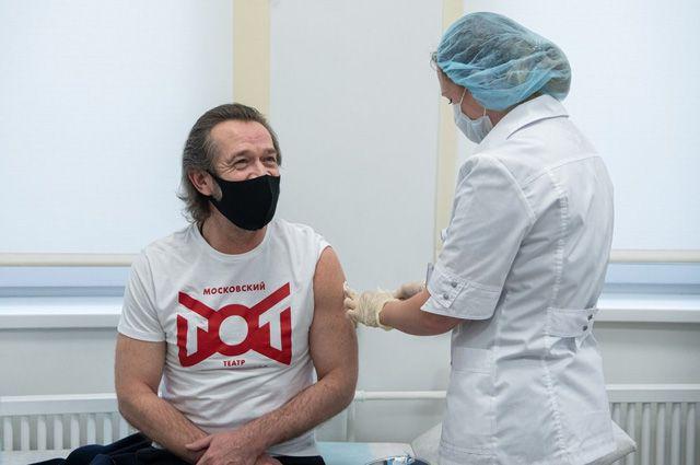 COVID-19 под прицелом. Столица продолжает масштабную вакцинацию горожан