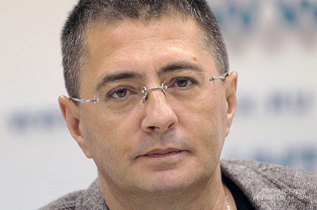 Мясников назвал фатальную ошибку при лечении коронавируса дома