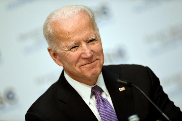Байден предложил послу США в России временно сохранить свой пост