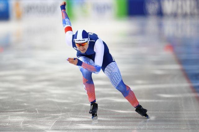 Российская конькобежка Голикова стала второй на дистанции 500 м на КМ