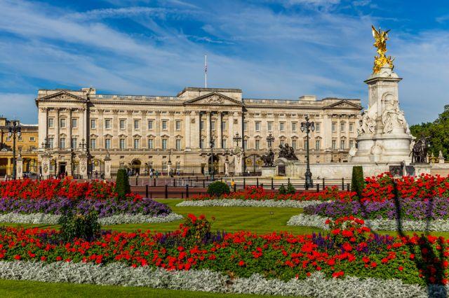 Британский сад: минимальный уход и верность традициям