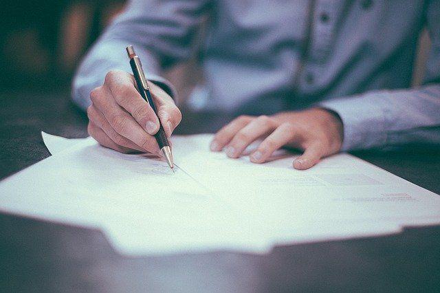 Эксперты разъяснили ситуацию с оплатой семинаров для уволенного работника