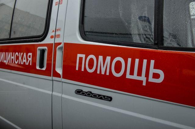 На Сахалине машина скорой помощи попала под лавину