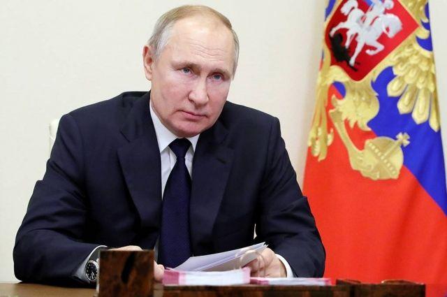 Путин 24 февраля проведет в Москве переговоры с президентом Киргизии