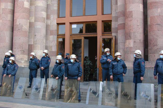 В Ереване задержаны 25 участников акции протеста против премьера Пашиняна