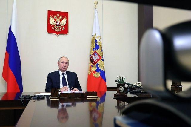 Путин подписал закон о штрафах за нарушения в деятельности иноагентов