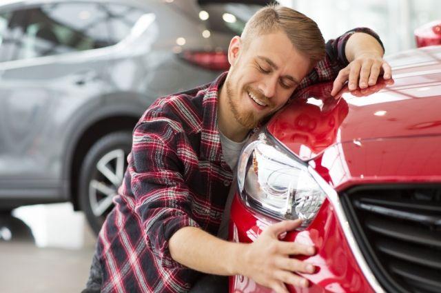 Четыре ошибки при покупке новой машины. Как вести себя в автосалоне?