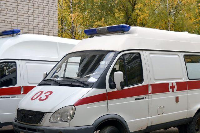 Двоих людей госпитализировали после съезда в кювет в Клинцовском районе