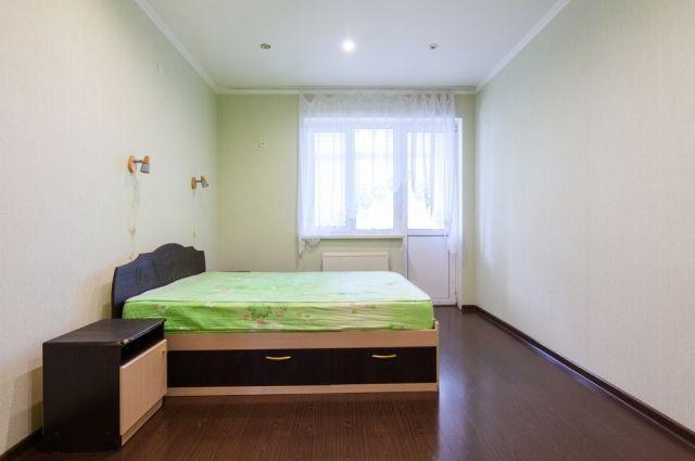 В тесноте, да с регистрацией. Стоит ли покупать комнату вместо квартиры?