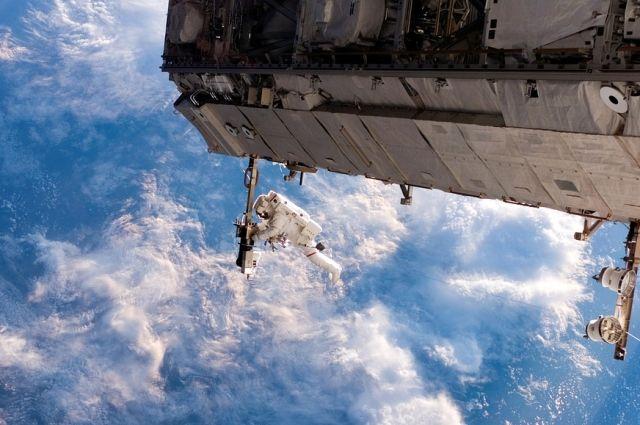 Зарплата российских космонавтов после повышения превысит 500 тысяч рублей