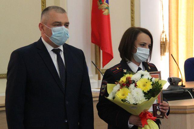 В Брянске наградили сотрудников подразделений по делам несовершеннолетних