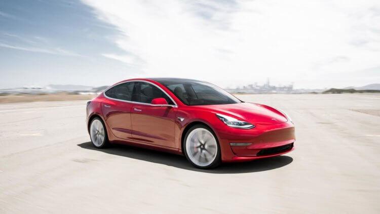 Илон Маск хотел продать Tesla компании Apple, но Тим Кук ему отказал