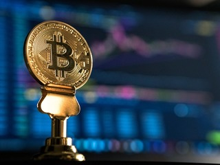 Старейший в США банк займется операциями с криптовалютами