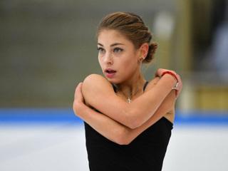 Косторная снялась с командного турнира по фигурному катанию