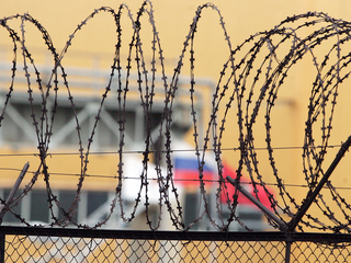 Избивали и насиловали: из-за пыток в колониях Иркутска возбудили дела