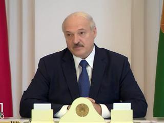 Лукашенко призвал 'срывать маски' ради выживания