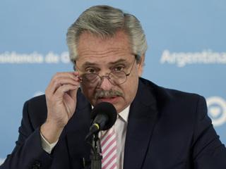 Президент Фернандес станет первым аргентинцем, привитым 'Спутником V'