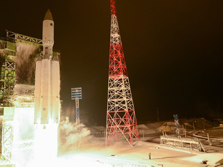 Сегодня в космос запустят тяжелую ракету 'Ангара'