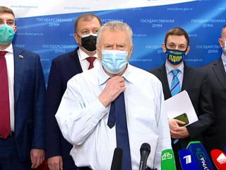 Жириновский предложил написать ему всем, кто остался без подарка