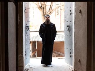 Игумен Петр Еремеев: в слое мусора мы нашли части надгробий родственников Петра I