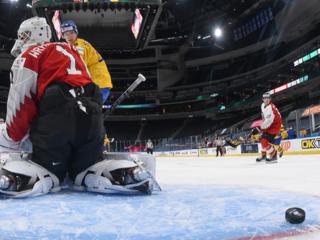 Хоккеисты Австрии крупно уступили Швеции перед матчем с Россией