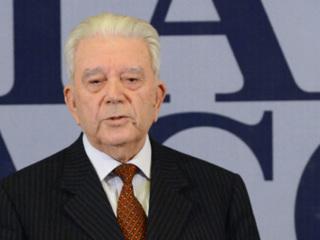Дипломат Рафик Нишанов награжден орденом Александра Невского
