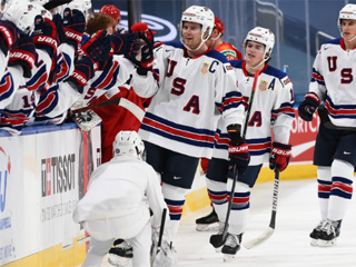 Чемпионат мира среди молодежи выиграли хоккеисты США
