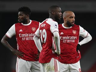 'Арсенал' и 'МанЮнайтед' сыграли вничью в премьер-лиге