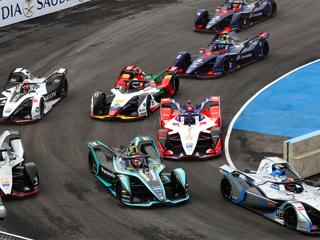 Чемпиона 'Формулы-Е' лишили бронзы в Саудовской Аравии