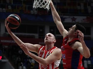 Баскетболисты ЦСКА взяли верх над 'Црвеной Звездой' в Евролиге