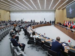 НАТО и 'бесплатному полигону' напомнили об исходах войн с Россией