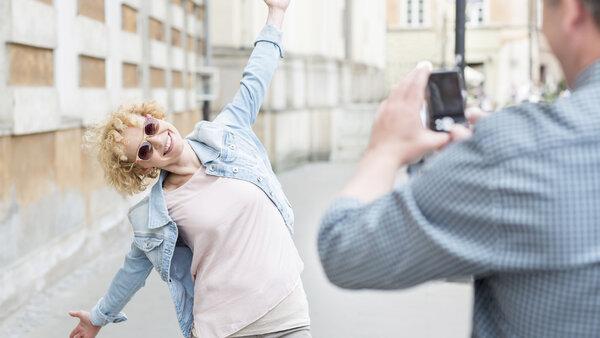 Позы для фотографий: как получиться симпатичной и худой на снимке?
