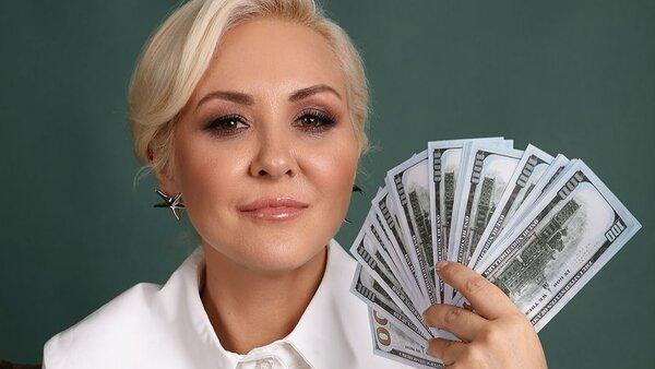 Василиса Володина рассказала, как привлечь деньги людям от 25 до 53 лет в 2021-м