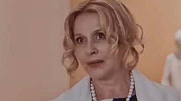 Анна Каменкова вышла на сцену в роли крутой «тачки»