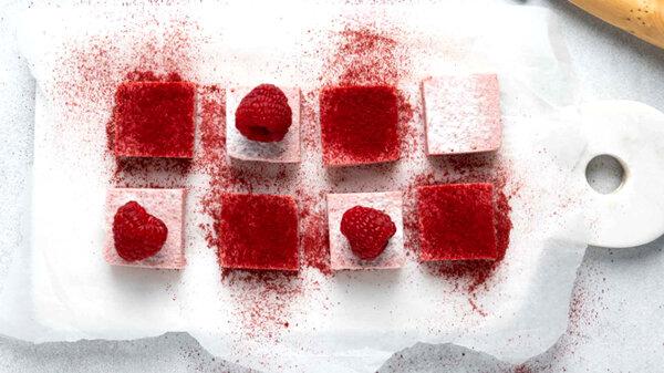 Клубничное суфле с творогом без сахара: рецепт полезного десерта