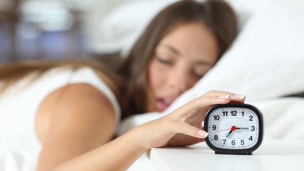 Как быстро проснуться? 11 полезных советов