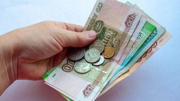 Кому и на сколько обязаны повысить зарплату с февраля 2021 года