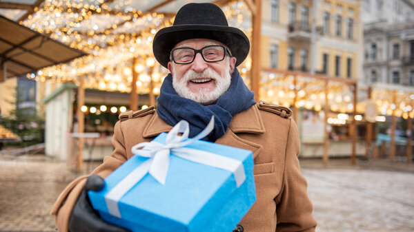 Что подарить отцу на Новый год? 14 оригинальных идей
