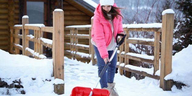 7 способов убрать снег без специальной техники