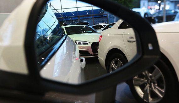 Эксперты и дилеры дали прогноз по продажам и ценам на автомобили в 2021 году