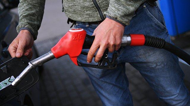 Страна (Украина): нефть по 100, бензин — по 35. Почему взлетают мировые цены на нефть и что будет с топливом, газом и платежками