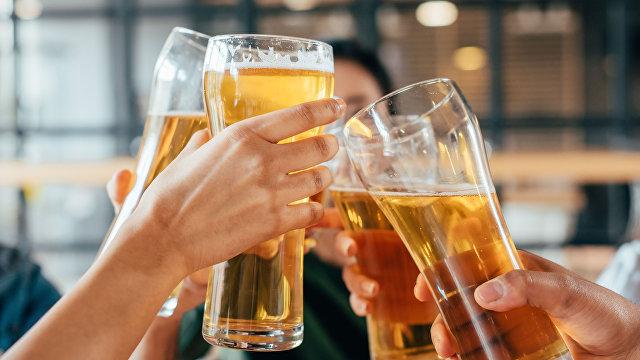 iHNed (Чехия): объединенные пивом. Русский пионер советской социологии Грушин выплатил долг Праге тем, что описал ее пивные