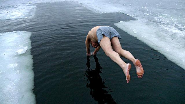 Болгары о русских морозах: ученики едят мороженое, Путин катается на лыжах, глобальное потепление отменяется (Факти, Болгария)