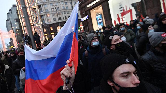 Во многих городах России прошли незаконные демонстрации, и МИД России предупредил американскую сторону: не вмешивайтесь во внутренние дела нашей страны (Гуаньча, Китай)