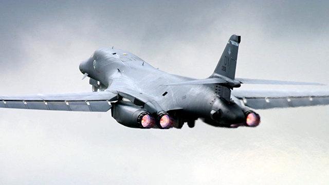Провокационная демонстрация силы: два американских бомбардировщика летят в сторону России (Forbes, США)