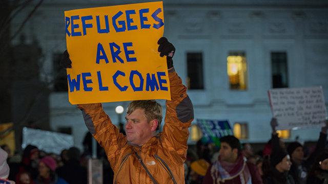 Опасный покер Байдена: миграционная реформа и эскалация с Россией