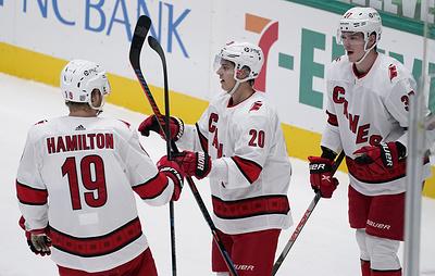 'Даллас' уступил 'Каролине' в матче НХЛ. Гурьянов и Свечников отметились передачами