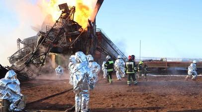 В МЧС сообщили о ликвидации пожара на нефтяной скважине под Оренбургом