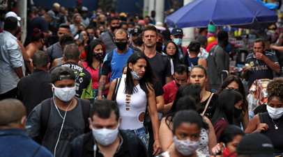 В Бразилии за сутки зафиксировали почти 70 тысяч случаев коронавируса