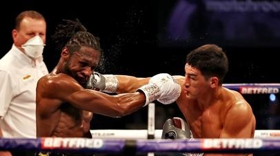 Жалящий джеб и преимущество в скорости: как Бивол победил Ричардса и в седьмой раз защитил титул чемпиона мира WBA